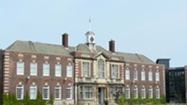 University of Hull receives accreditation for outstanding chemical engineering course