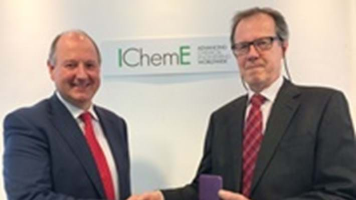 Rob Best recognised for exceptional service to IChemE